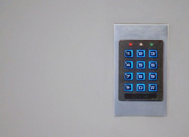كيف تعمل أنظمة التحكم المتقدمة؟
