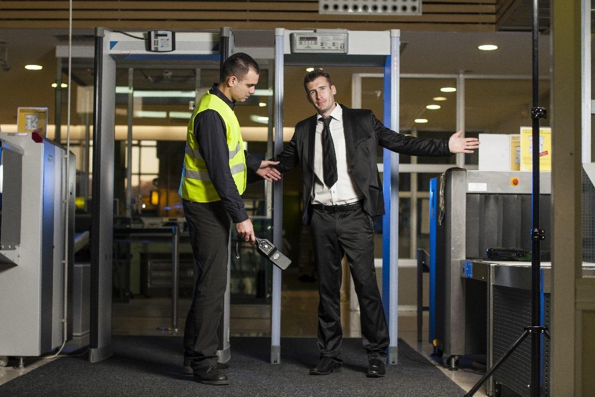 gate metal detector البوابات الأمنية لكشف المعادن والسرقة